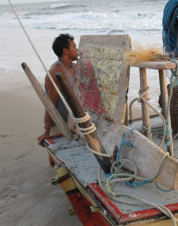 A jangada's Calçador with the mainsheet (Escota) wrapped around it.