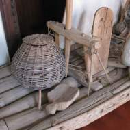 A sambura on the foredeck of a lor raft jangada