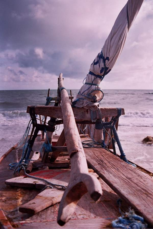 The tranca (boom) resting on the espeque and tabernacle