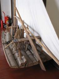 A traditional jangada. The picture shows the remo do governo, or steering oar, in a slot through the transom.